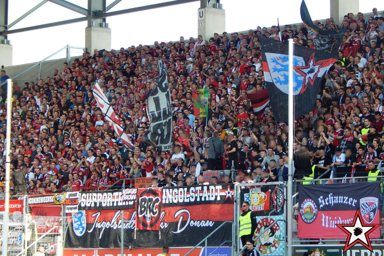 FC Ingolstadt - SV Darmstadt 09.04.2017 fci svd supporters ingolstadt südtribüne ultras fans fußball
