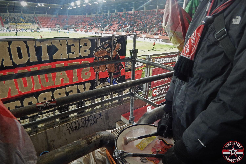FC Ingolstadt - Eintracht Braunschweig 04.12.2017 fci btsv supporters ingolstadt südtribüne ultras fans fußball