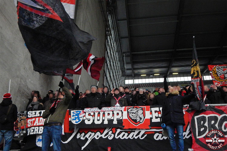 1. FC Kaiserslautern - FC Ingolstadt 10.12.2017 fck fci supporters ingolstadt auswärts ultras fans fußball