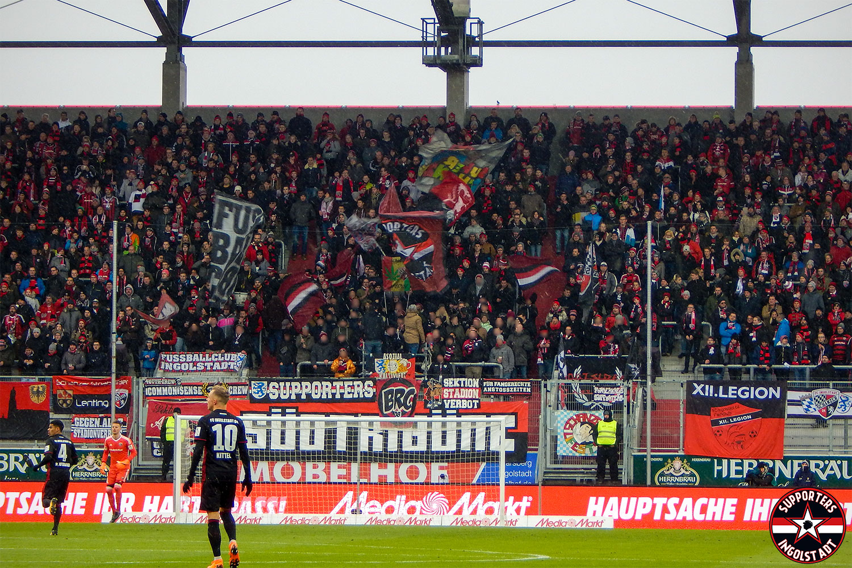 FC Ingolstadt – FC St. Pauli 17.02.2018 fci fcsp supporters ingolstadt südtribüne ultras fans fußball