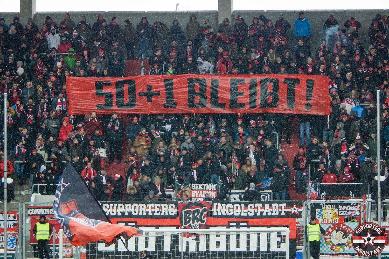 FC Ingolstadt - Dynamo Dresden 18.03.2018 fci sgd supporters ingolstadt südtribüne ultras fans fußball