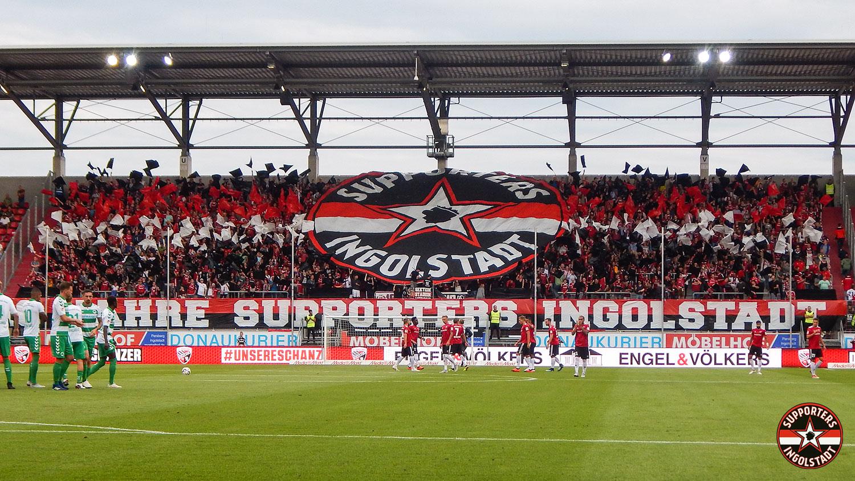 FC Ingolstadt - SpVgg Greuther Fürth 10.08.2018 fci spvgg supporters ingolstadt südtribüne ultras fans fußball choreo