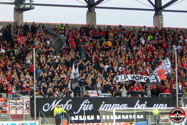 FC Ingolstadt – FC St. Pauli 21.09.2018 fci fcsp supporters ingolstadt südtribüne ultras fans fußball mofo