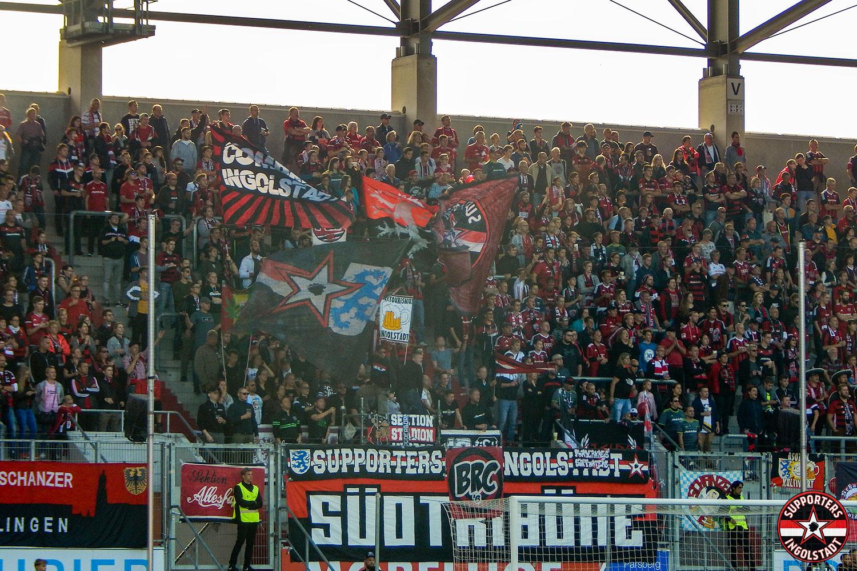 FC Ingolstadt - SC Paderborn 07.10.2018 fci scp supporters ingolstadt südtribüne ultras fans fußball