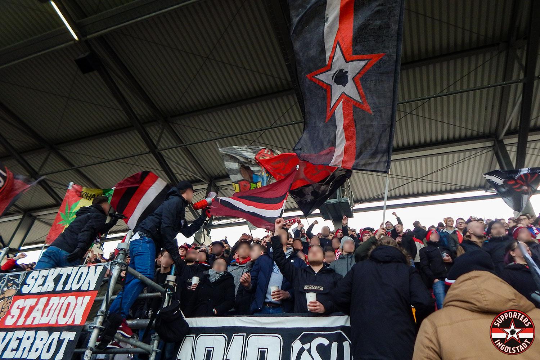 FC Ingolstadt - Hamburger SV 01.12.2018 fci hsv supporters ingolstadt südtribüne ultras fans fußball