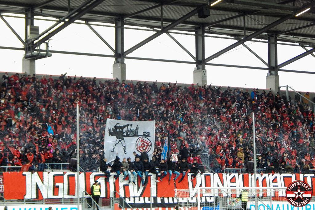 FC Ingolstadt - SSV Jahn 2000 Regensburg 22.12.2018 fci ssv supporters ingolstadt südtribüne ultras fans fußball choreo