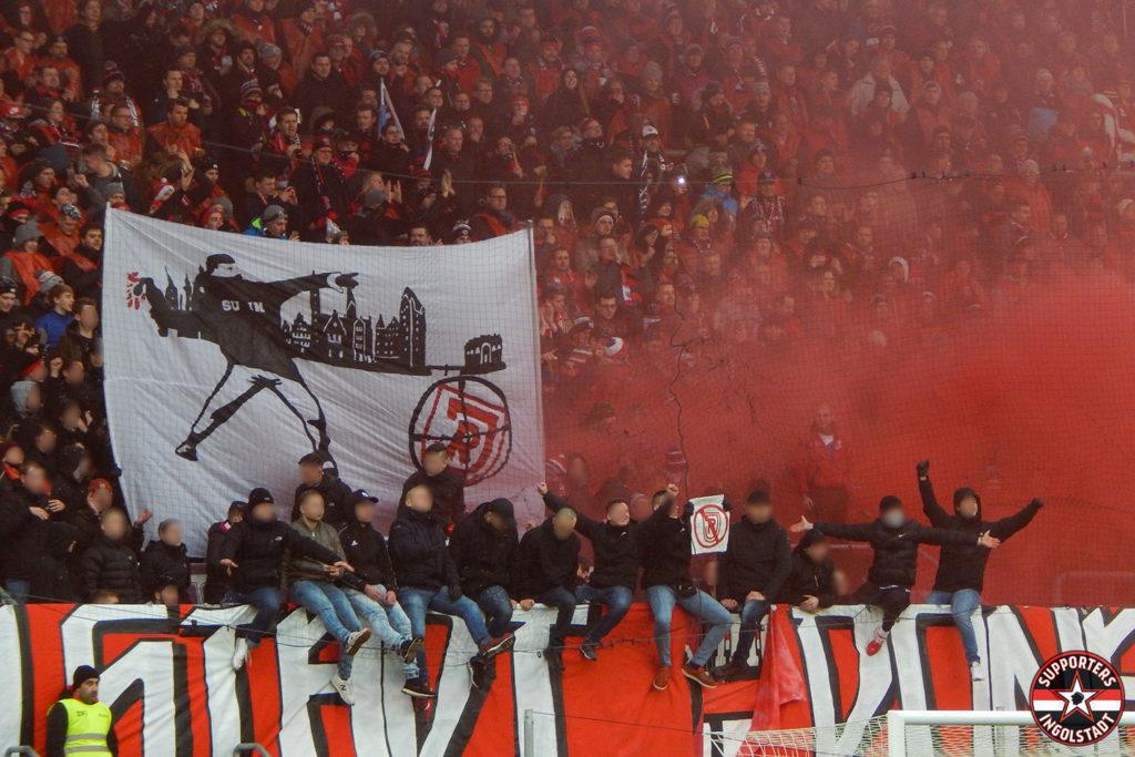 FC Ingolstadt - SSV Jahn 2000 Regensburg 22.12.2018 fci ssv supporters ingolstadt südtribüne ultras fans fußball pyro choreo